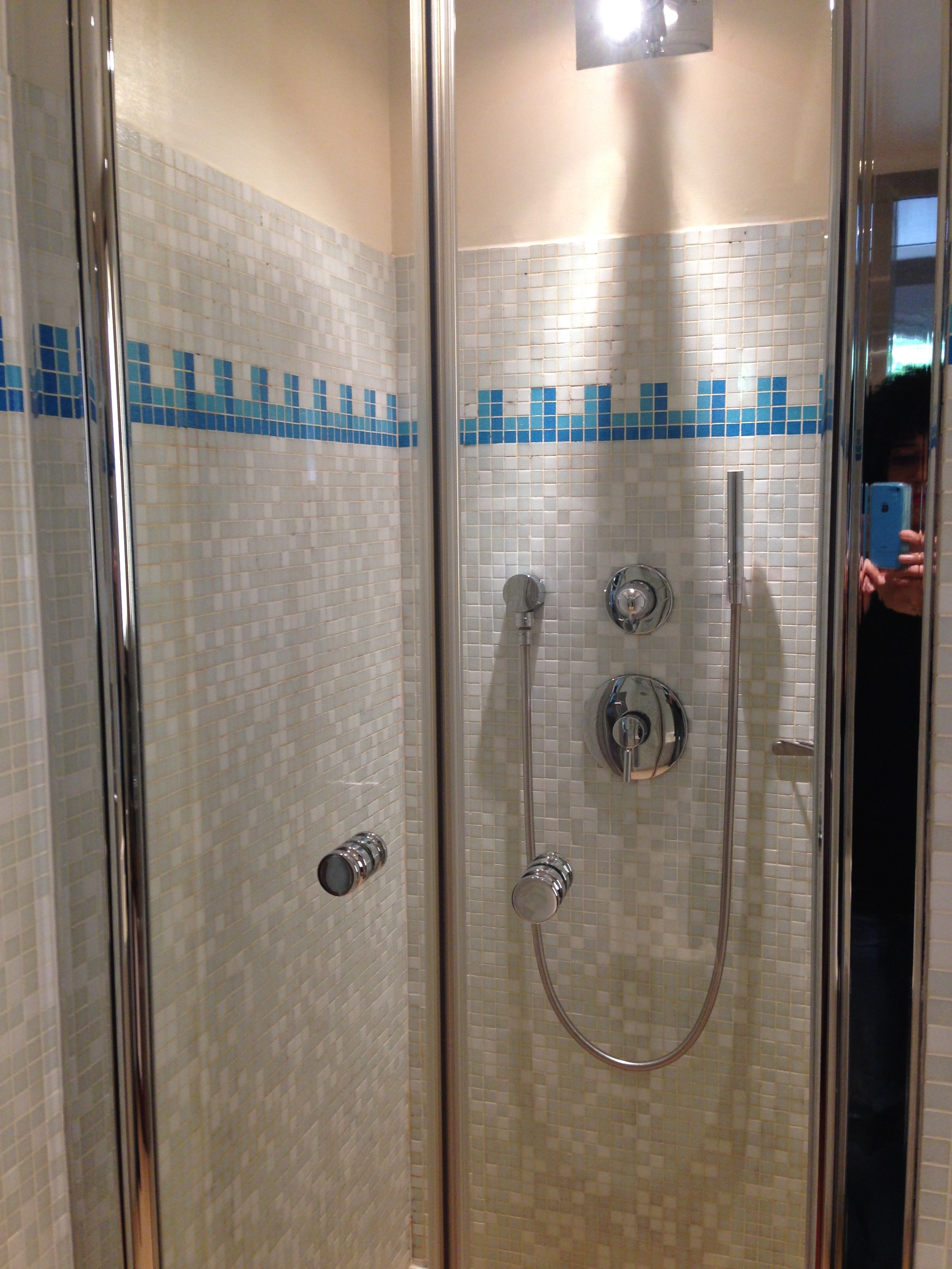 shower radisson blu champs elysees